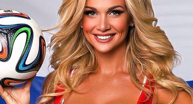 ملكة جمال روسيا ترحب بتأهل المنتخب المغربي