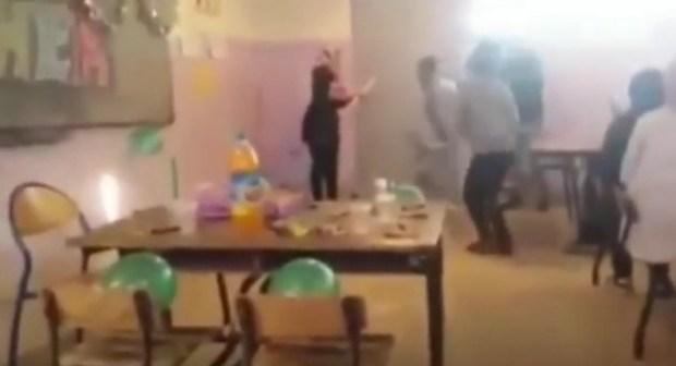 بالفيديو: هاكا استقبل التلاميذ أستاذهم بآسفي