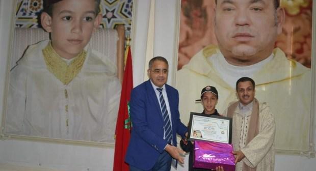 """تتويج """"سلمى البادرة"""" ابنة إنزكان بالمرتبة الثانية في البطولة المغاربية في العدو الريفي المدرسي بتونس"""