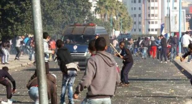 الحكم بالسجن على معتقلين في أحداث شغب مباراة الحسنية والرجاء بملعب أدرار