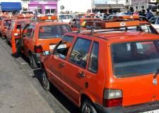 إضراب إنذاري لسائقي سيارات الأجرة الصغيرة يشل مدينة أكادير