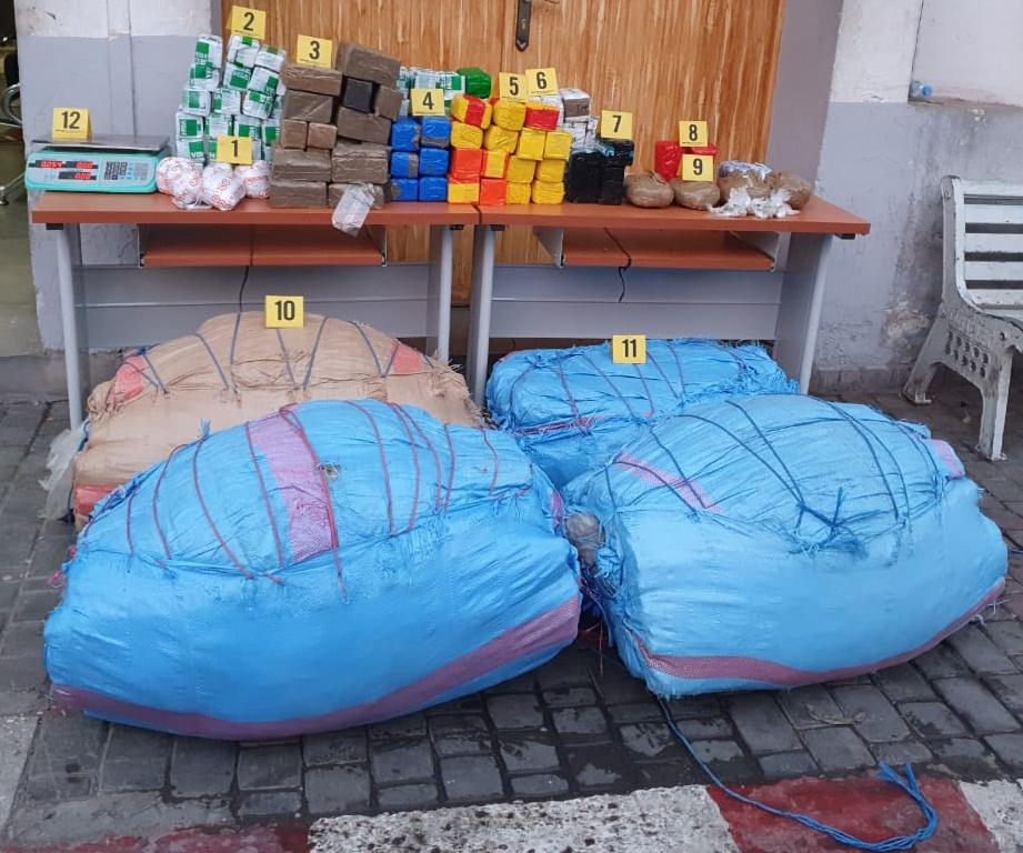 أكادير: اعتقال مروجان قادمان من الشمال بحوزتهما  186 كيلو من الكيف والشيرا