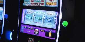 Diamond Strike, classic slot game
