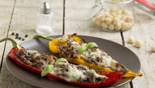 Gevulde paprika's met hazelnoot en gorgonzola