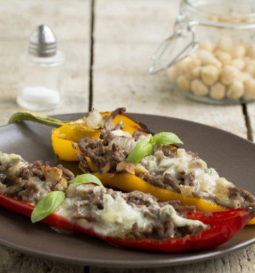 Recept Gevulde puntpaprika's met hazelnoten en gorgonzola