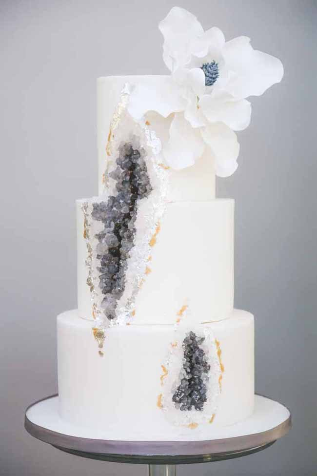 20 Geode   Crystal Wedding Cakes   SouthBound Bride There s one wedding cake trend that s been really waking up the neighbours  this year  and that s geode cakes  Along with all things crystal and  mineral