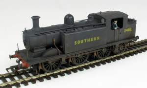 A repainted and weathered Bachmann E4