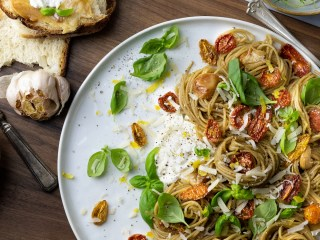 Pasta with Oven Roasted Tomatoes and Garlic