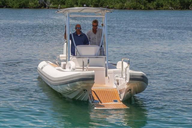 Novurania-Catamaran-24-Diesel