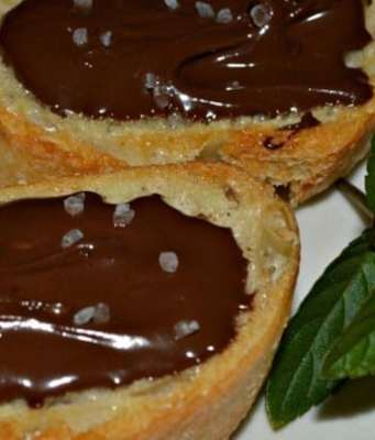 chocolate crostini