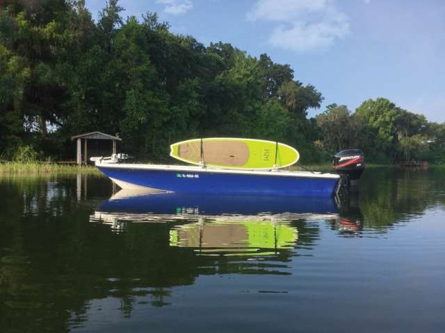 an image of a boat with manta racks