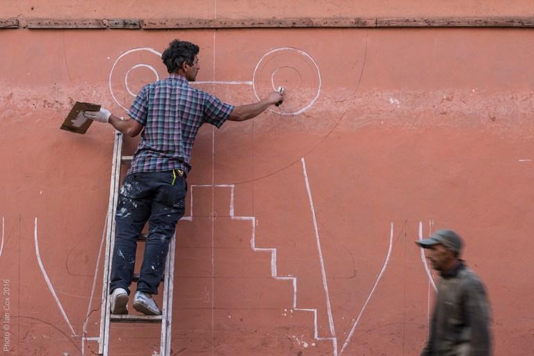 Giacomo Bufarini RUN working on hi mural MB6 Street Art photo ©_Ian_Cox_2016