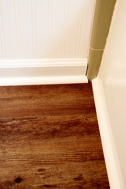 Yardstick Chair Rail Part - 26: ... Finish Out The Corner Chair Rail. He Added A Small Piece Of Wood Molding  Instead Of The Real Stuff. Not The Professional Carpenteru0027s Way, ...