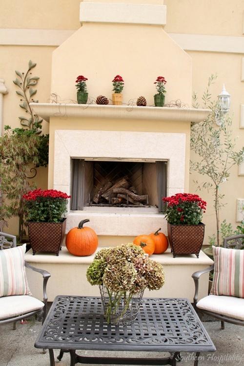 fall outdoor mantel
