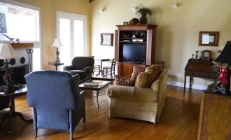 Decorating Dilemma:  Janet's Open Living Room