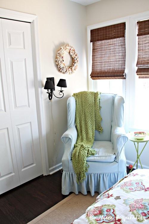 chair-in-corner.jpg