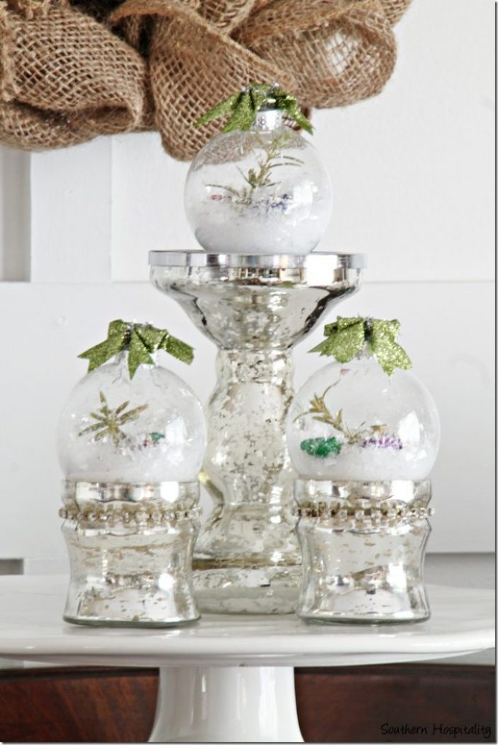 cake plate with ornaments