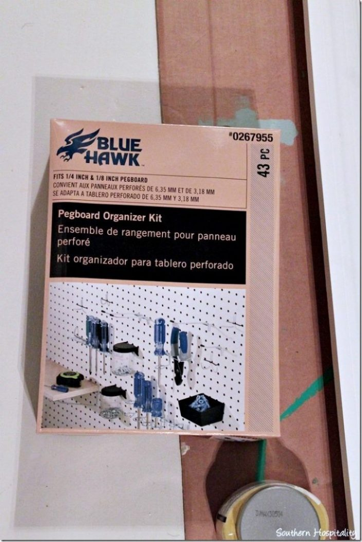 box of organizer hooks