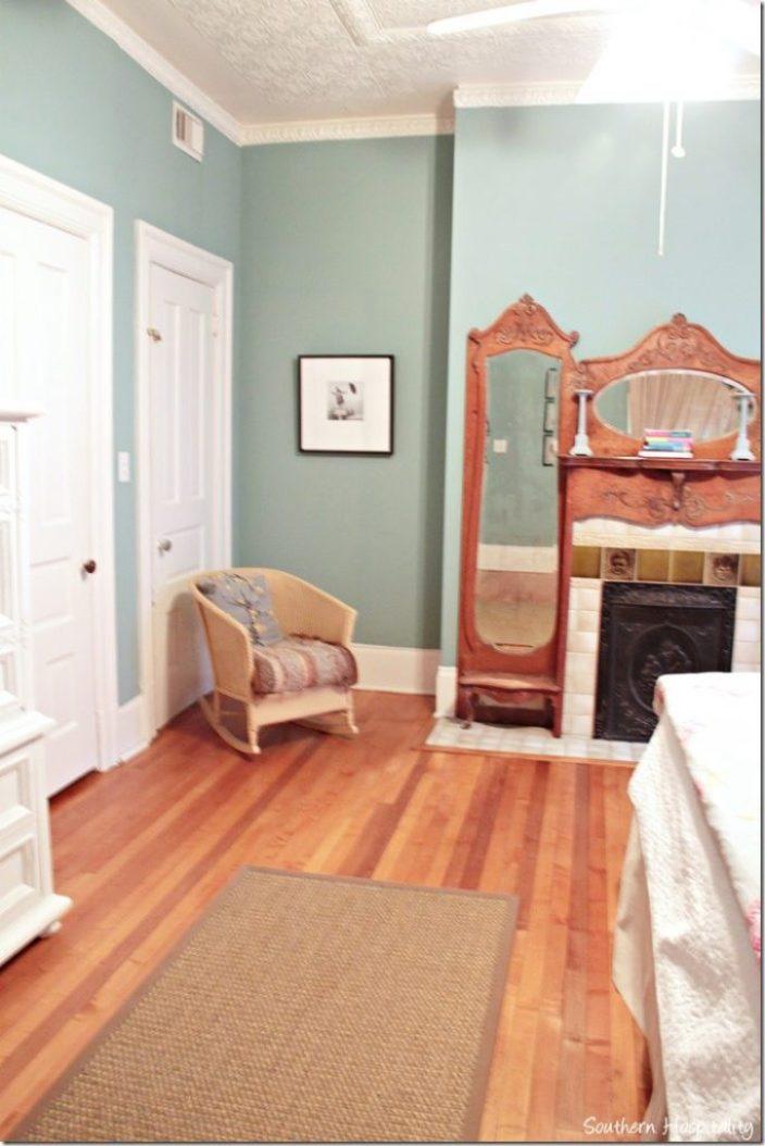 white caps bedroom 2