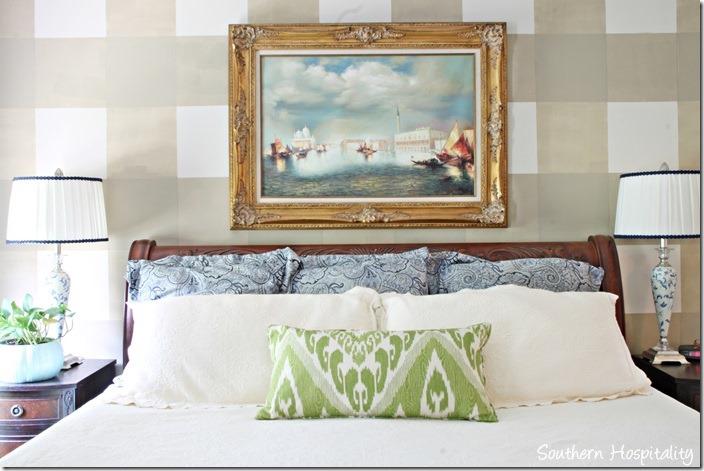 master-bedroom-bed_thumb.jpg