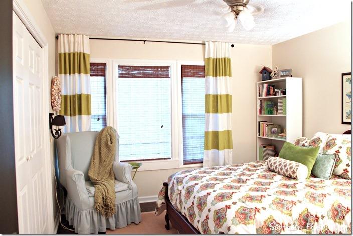 striped-drapes-on-windows_thumb.jpg