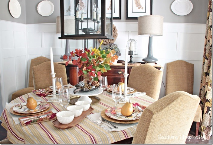dining room table thanksgiving
