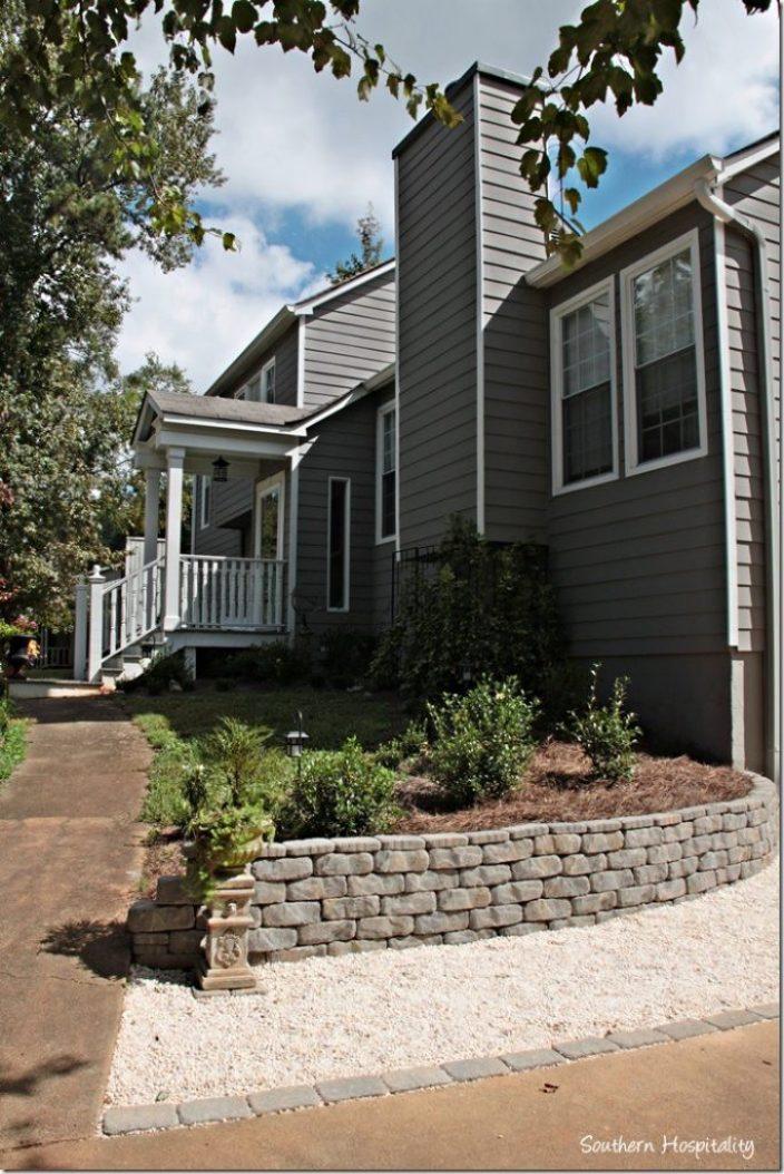 sidewalk-and-retaining-wall_thumb.jpg