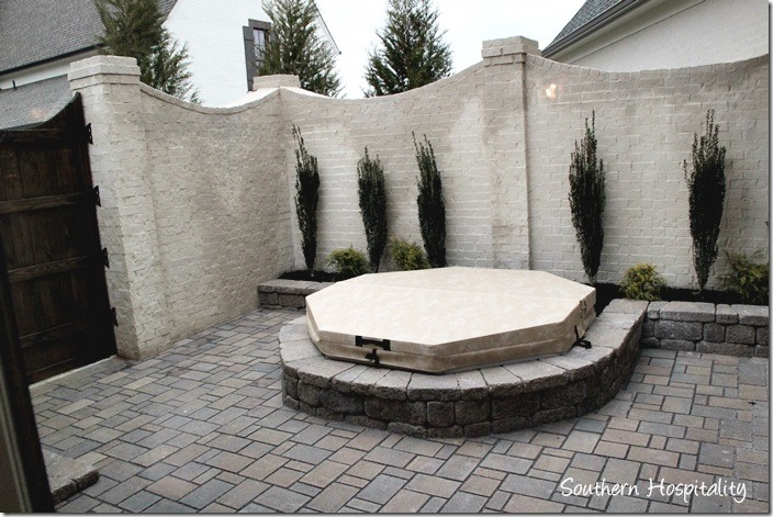 arnold master courtyard