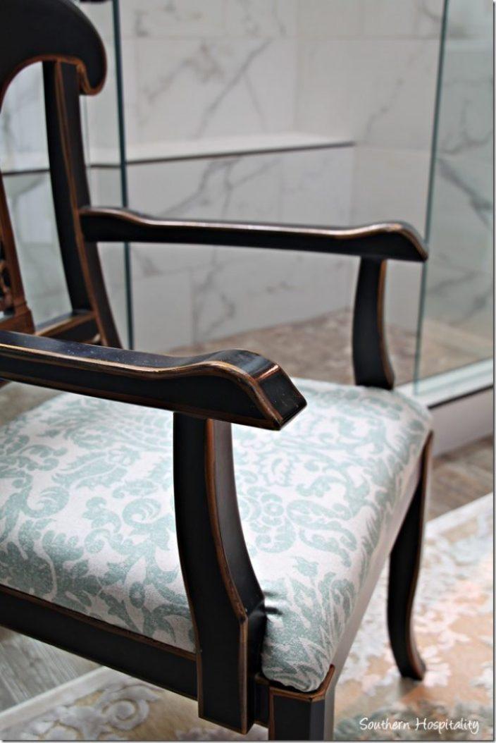chair close