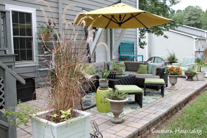 outdoor patio space with umbrella025