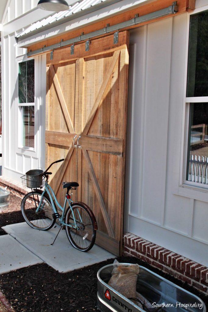 modern farmhouse barn doors