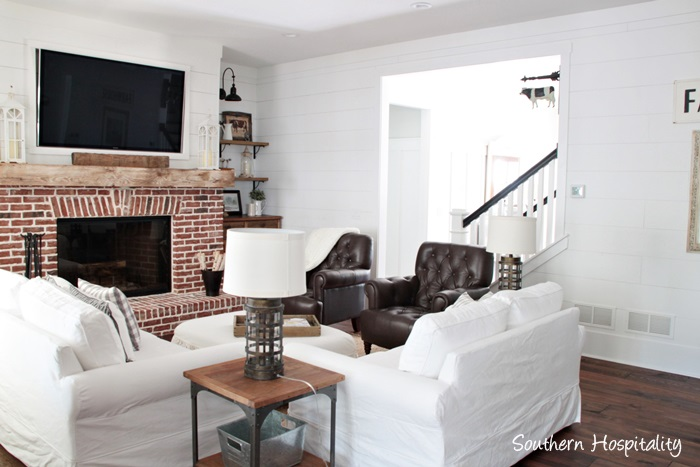 farmhouse cozy room