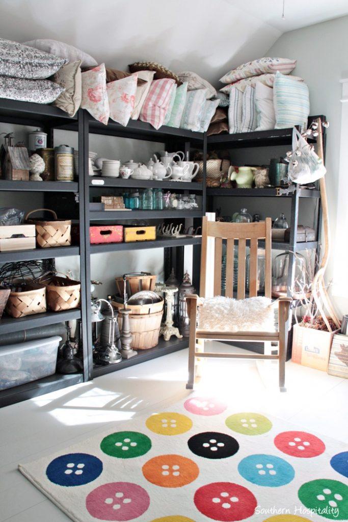 decor storage room