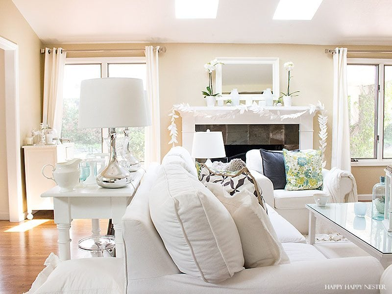 Janines Pretty Living Room Has White Furniture And A Bright Airy Feeling