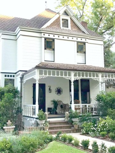 victorian white farmhouse - Characteristic Friday:  My Soulful House