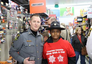 shop-with-a-cop