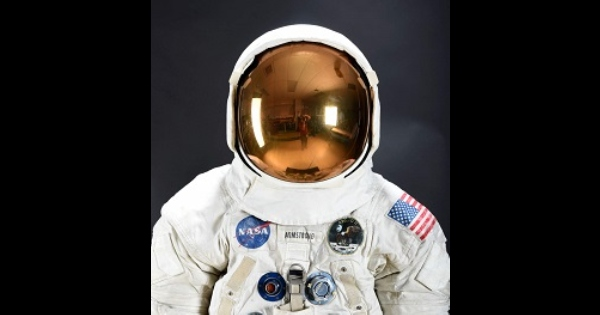 neil-armstrong-suit