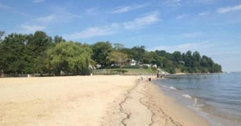 breezy-point-beach