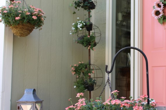 Front Porch gets Spring Makeover