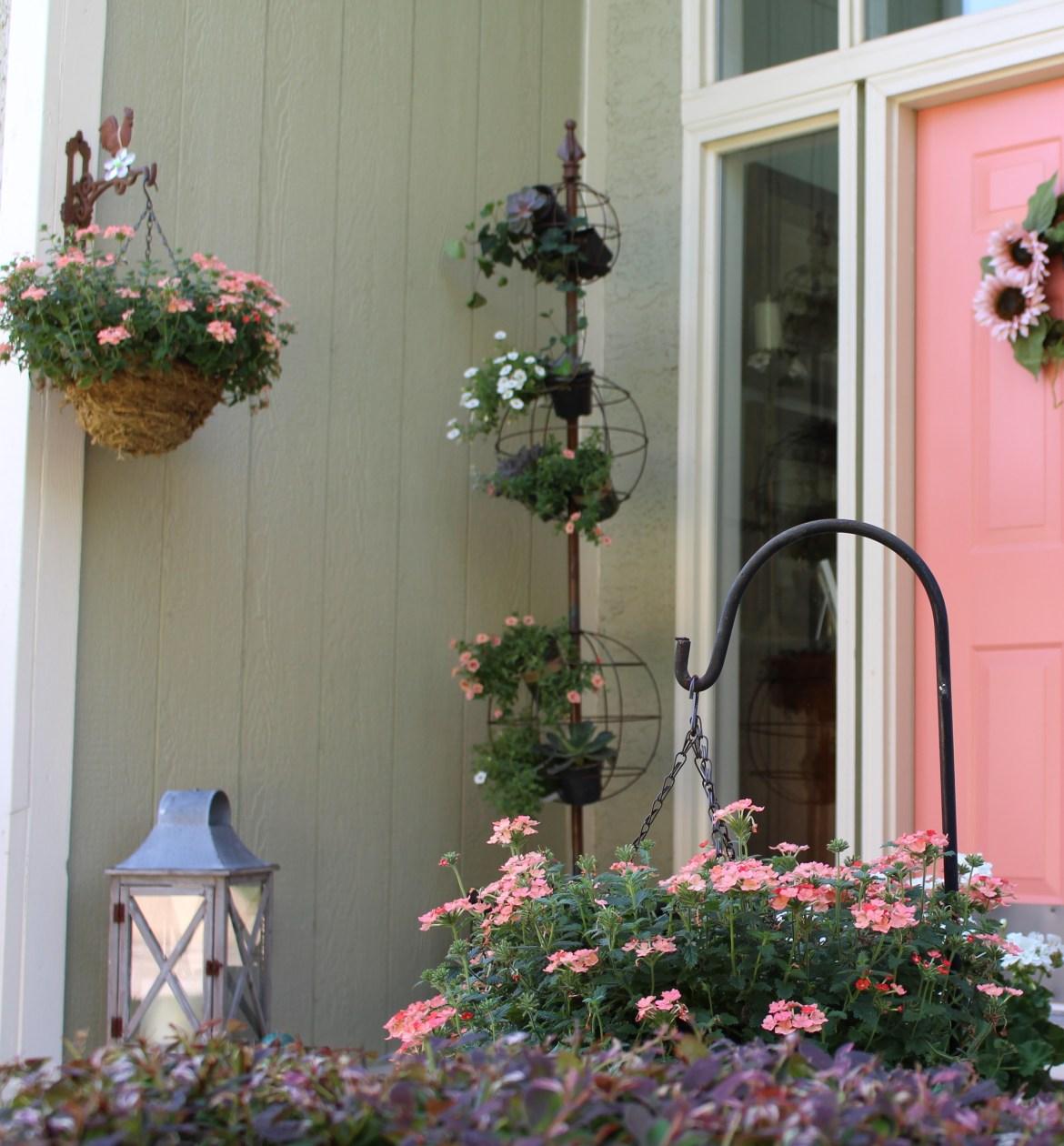 Front Porch gets Spring Makeover