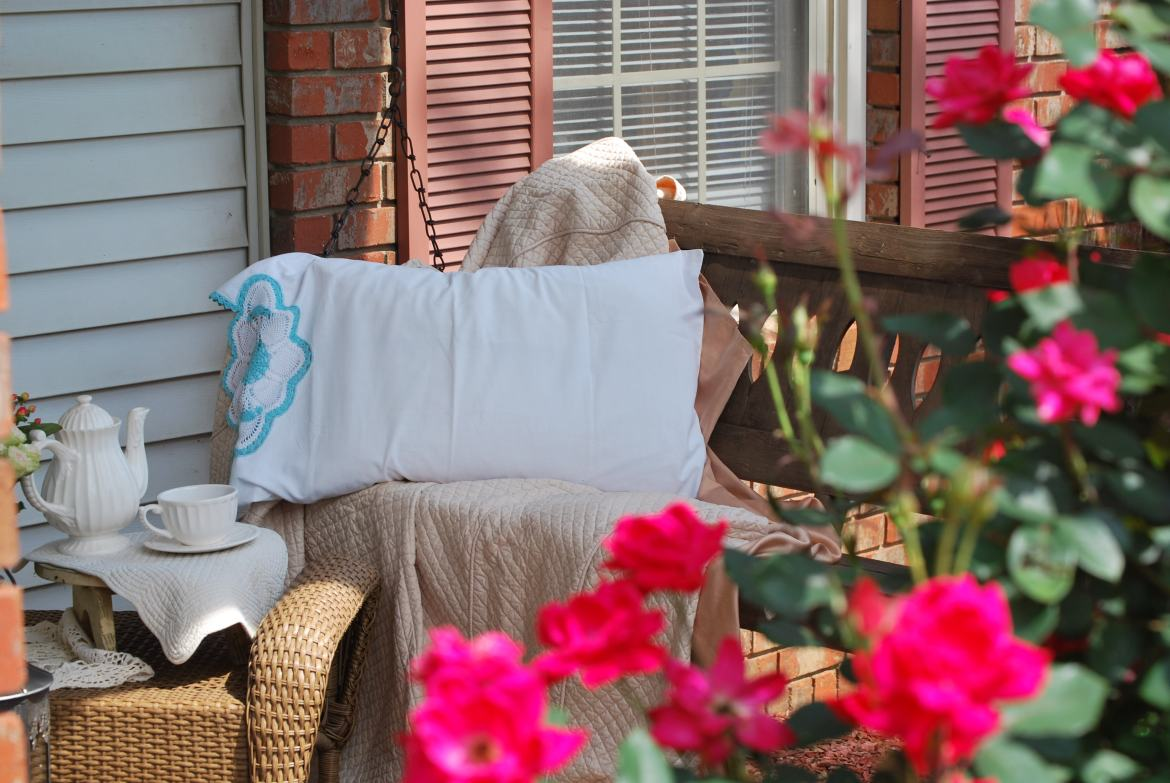 Simple and Inexpensive Front Porch Decor