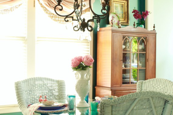 Colorful Vintage Dining Room