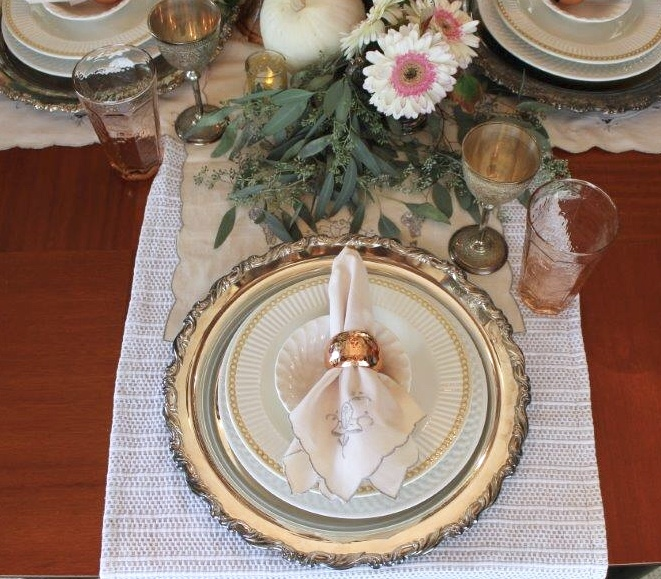 4 items create a fall decor centerpiece