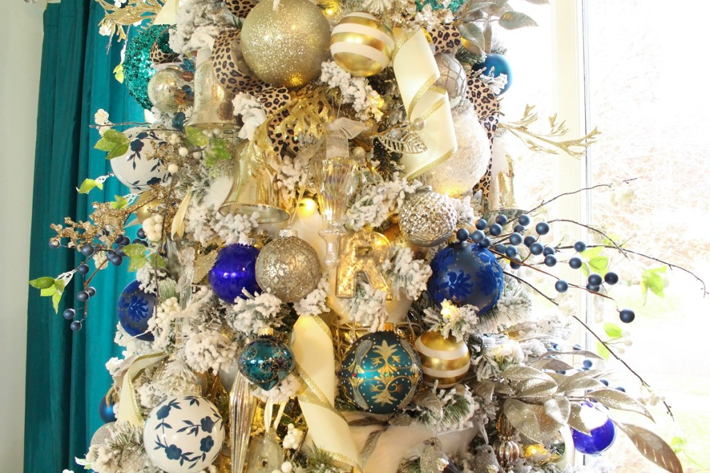 Elegant Flocked Chinoiserie Style Christmas Tree with Blue and White Ornaments