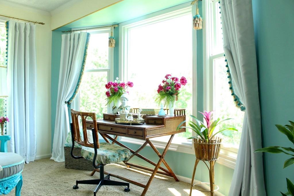 Vintage Rattan Chinoiserie Bedroom Furniture