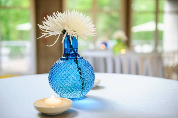simple-cocktail-centerpiece