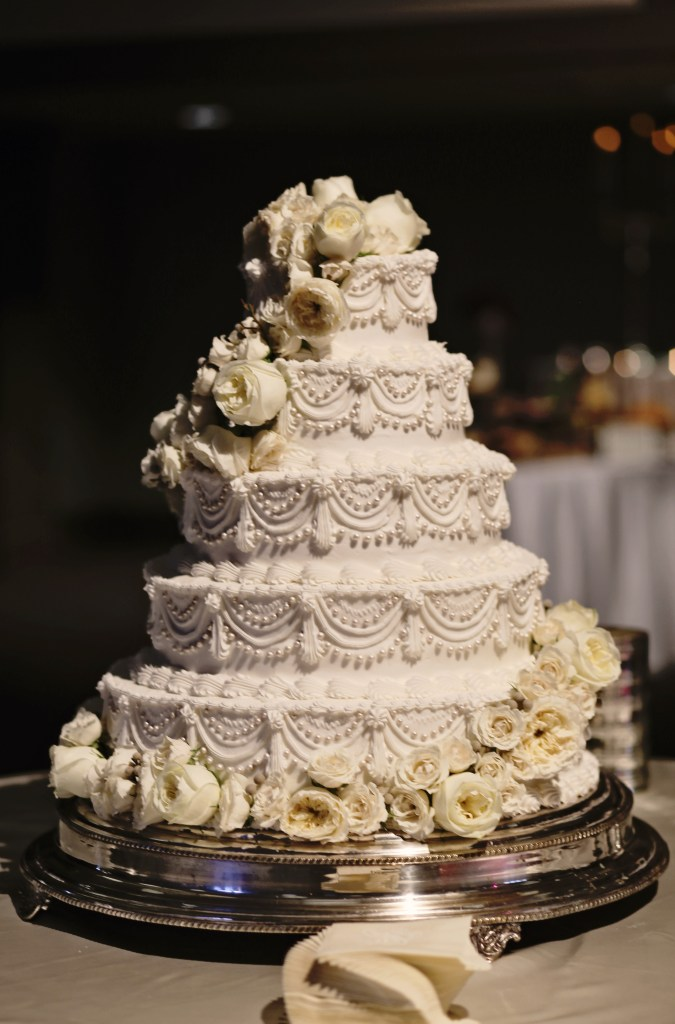 elegant wedding cake with ivory garden roses and pearls | that special touch | meridian ms wedding florist