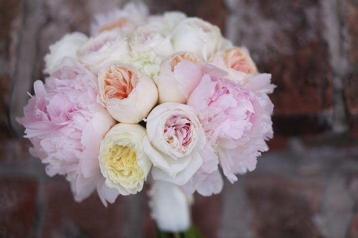 blush-and-peach-bouquet
