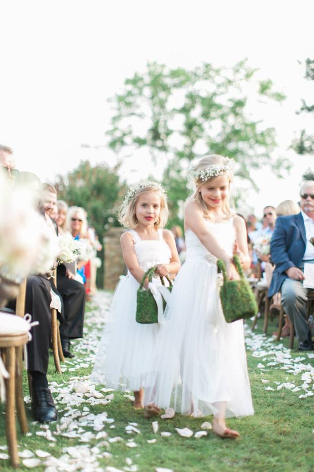 How to Let Guests Know Children aren't invited to your wedding