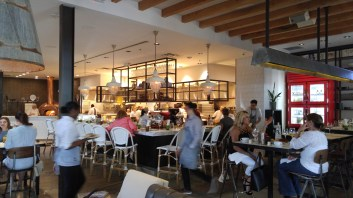 bar & kitchen area